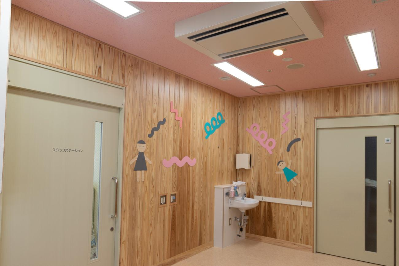 宮崎大学小児科病棟 診察室の改装